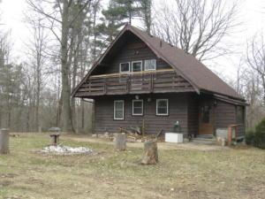 1 Major Black's Cabin - Front