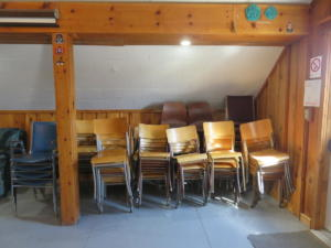 20 Beaver - main floor -extra chairs