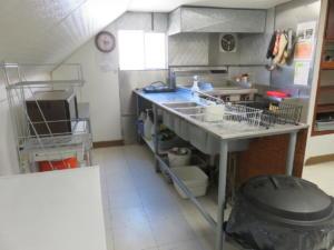 8 Beaver - main floor - Kitchen