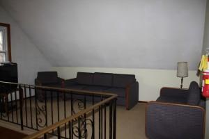 10 Major R.J. Black's - upper loft area