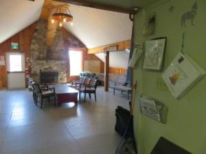 18 Beaver - main floor -Lounge area